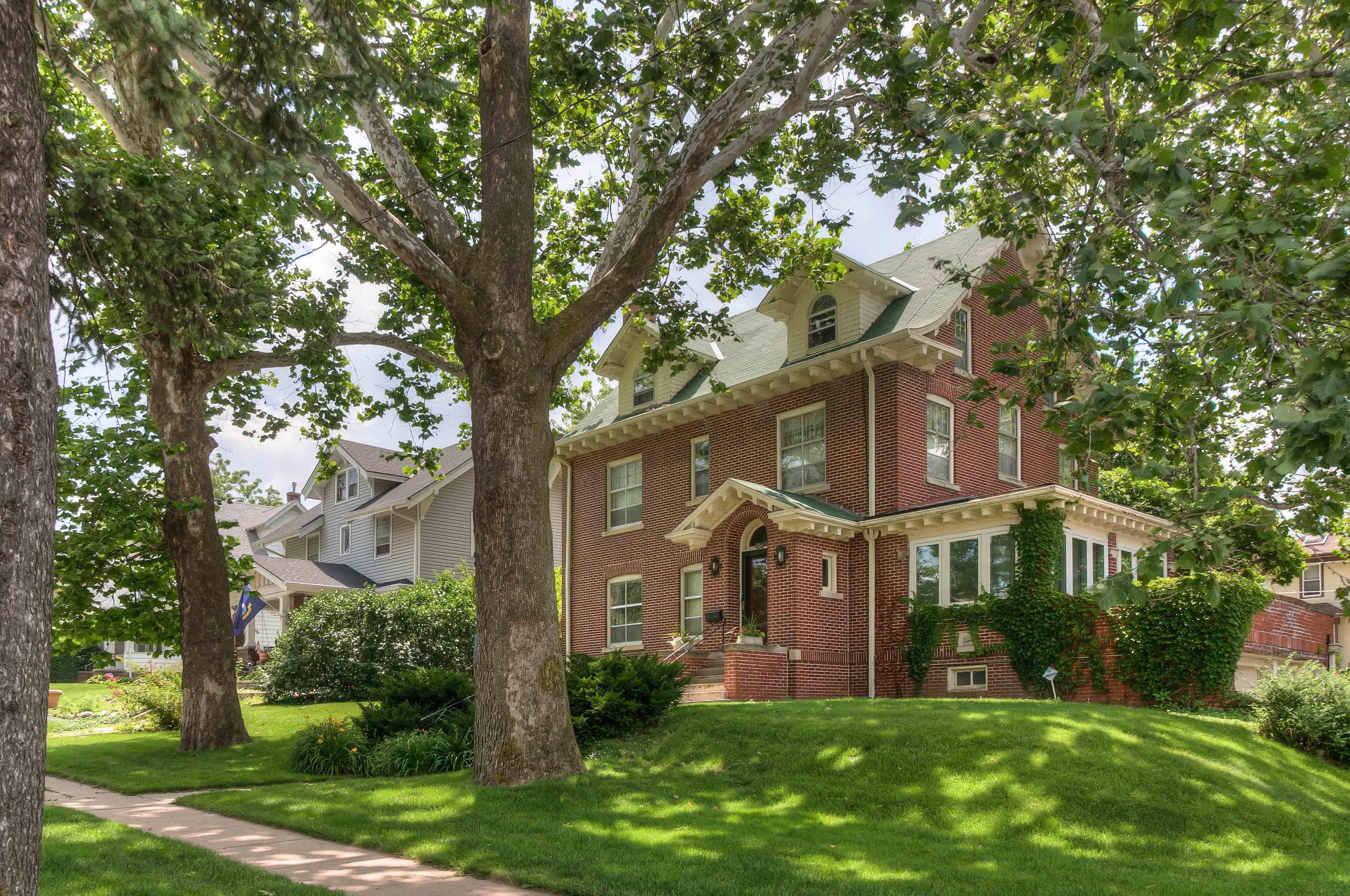 Hanscom Park Real Estate