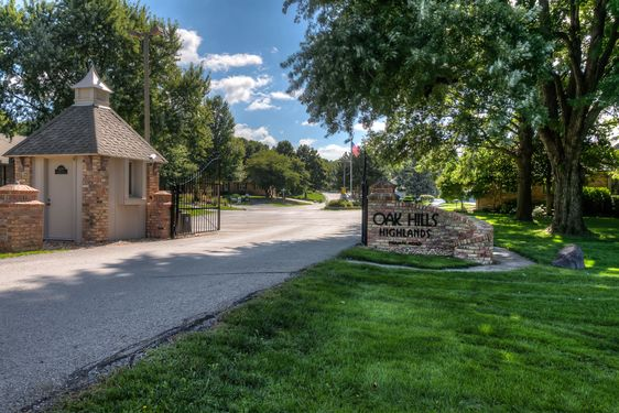 Oak Hills Country Club Real Estate