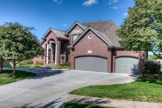 Oak Hills Country Club Homes for Sale