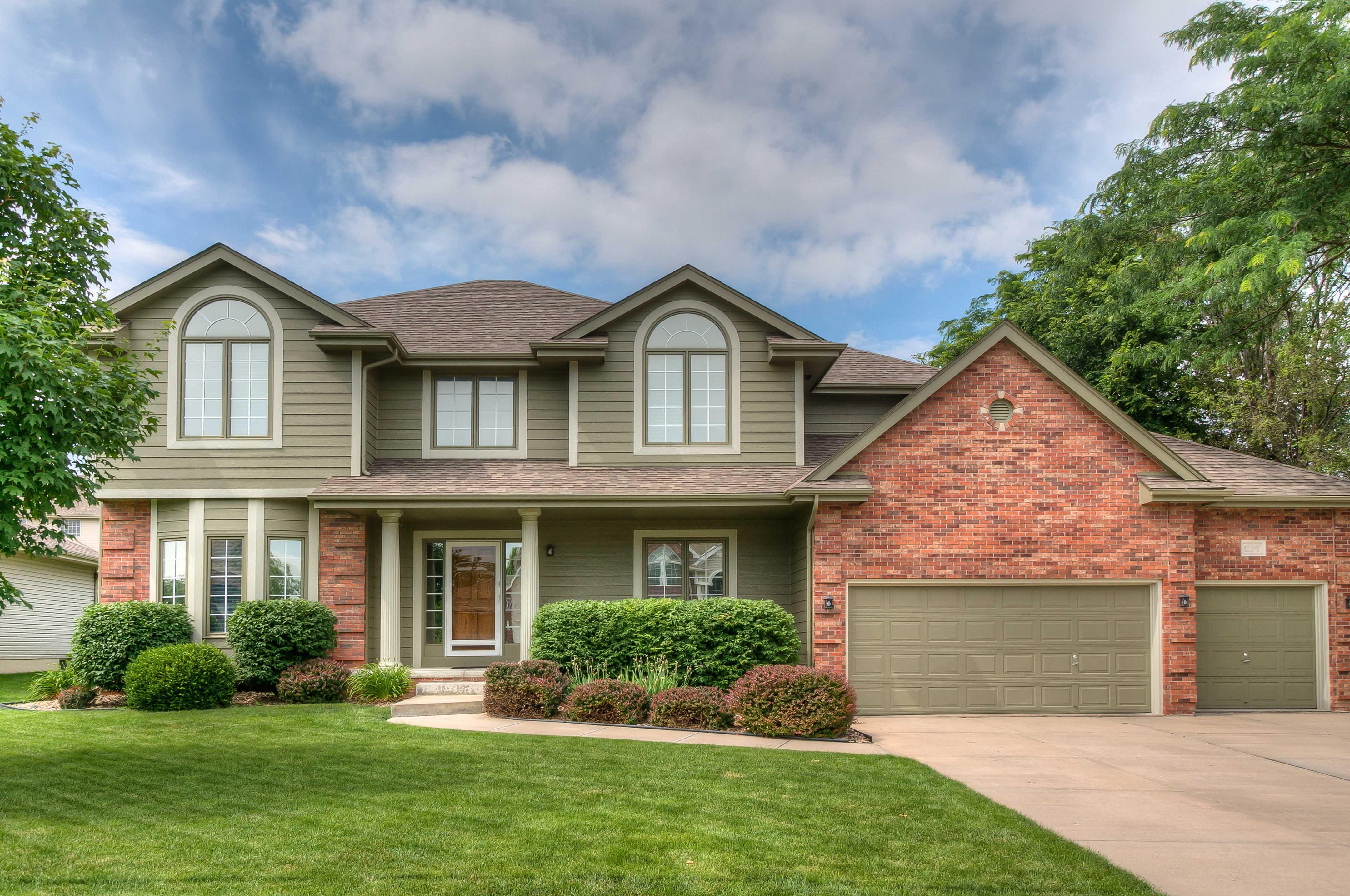 Lakeside Real Estate 6
