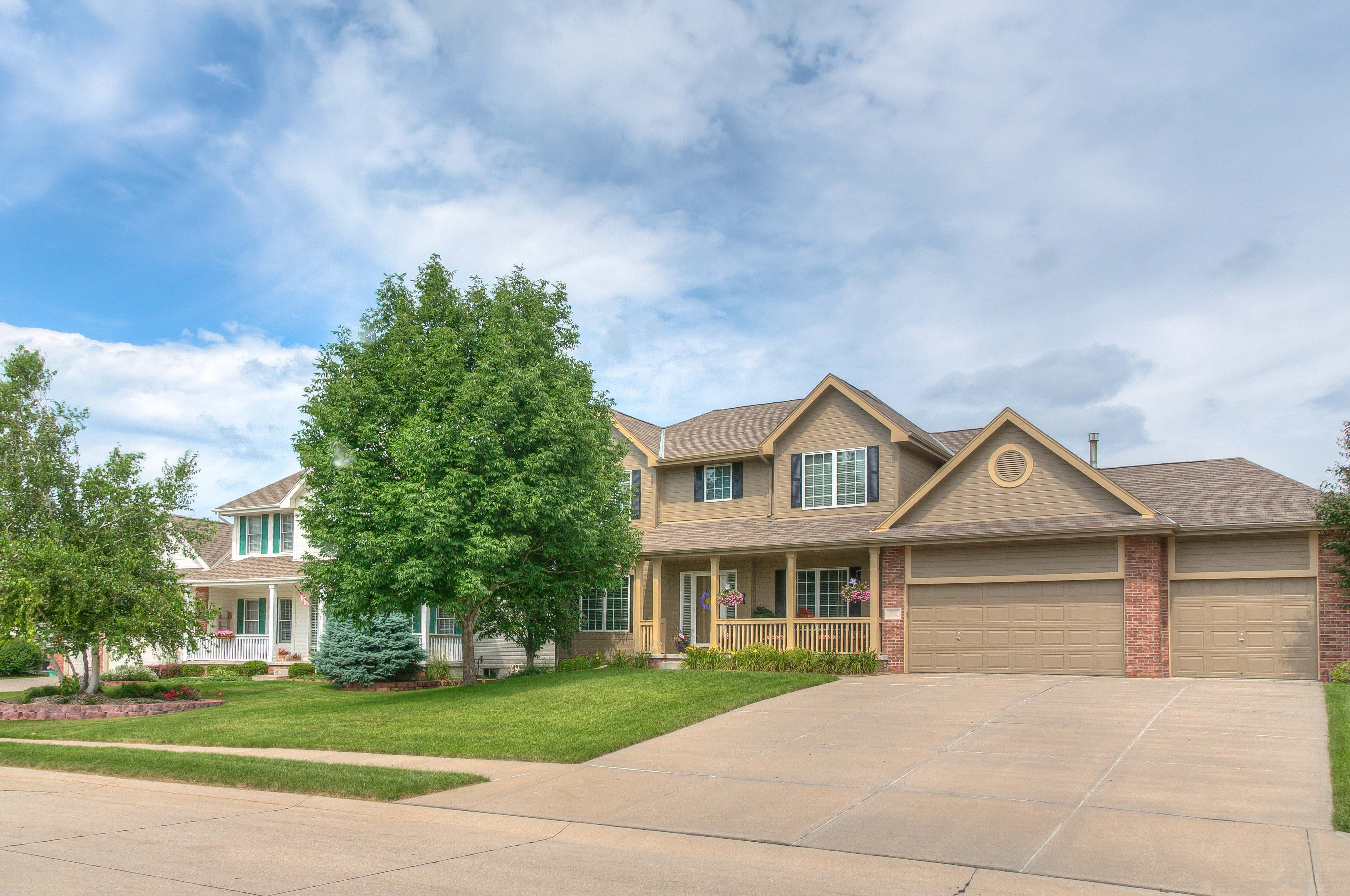 Lakeside Real Estate 8