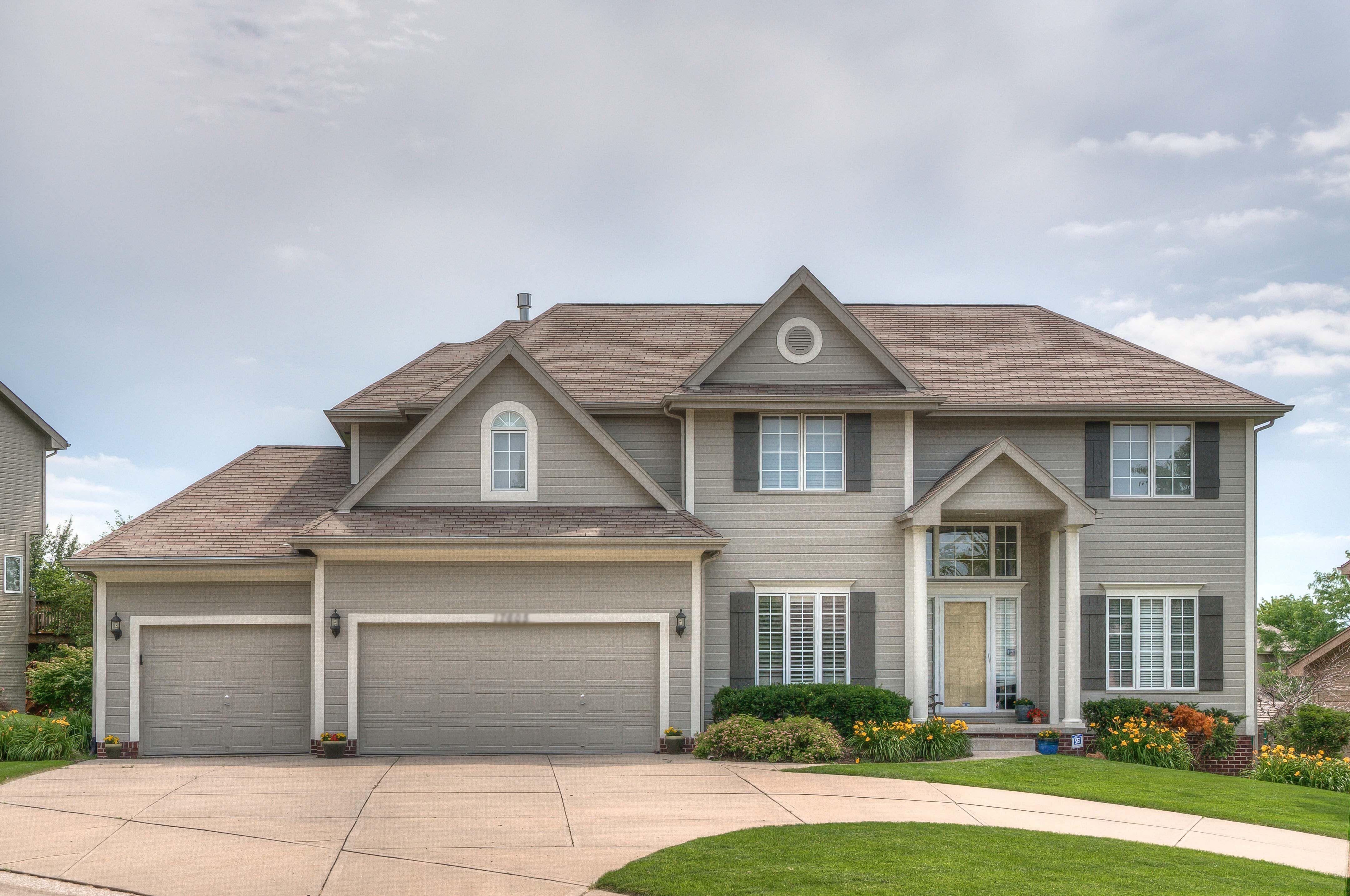 Lakeside Real Estate 9