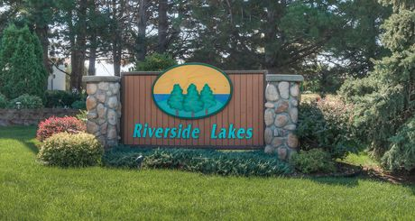 Riverside Lakes