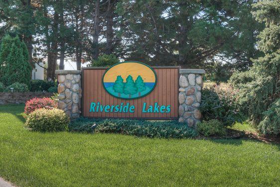 Riverside Lakes Real Estate