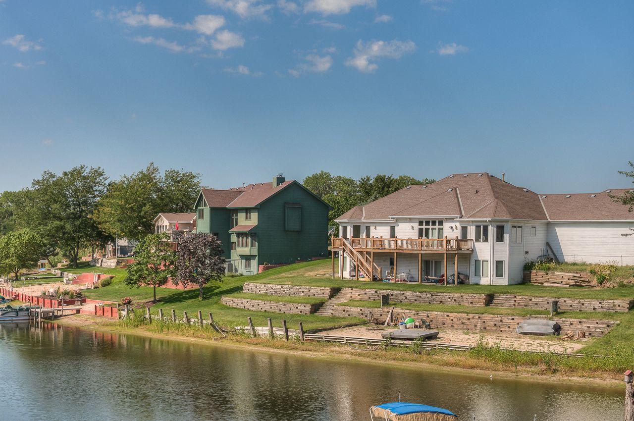 Riverside Lakes 8