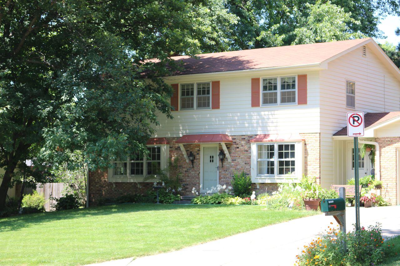 Royalwood Estate Homes for Sale 8