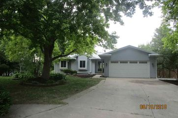 Photo of 10532 Larimore Circle Omaha, NE 68134