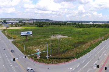 20.79 AC S EXPRESSWAY COUNCIL BLUFFS, IA 51501 - Image 1