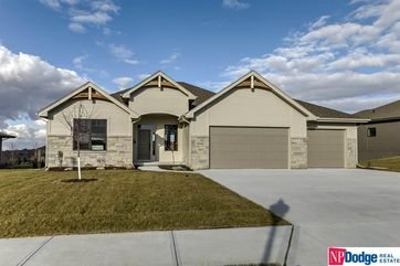 Photo of 18714 California Street Elkhorn, NE 68022