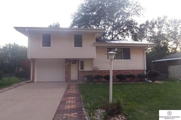Photo of 9427 Meadow Drive Omaha, NE 68114