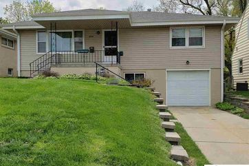 Photo of 4909 Manderson Street Omaha, NE 68104
