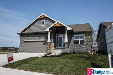 Photo of 5209 Clearwater Drive Papillion, NE 68133