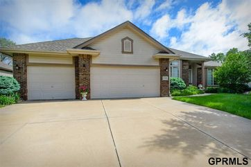 Photo of 17018 I Street Omaha, NE 68135