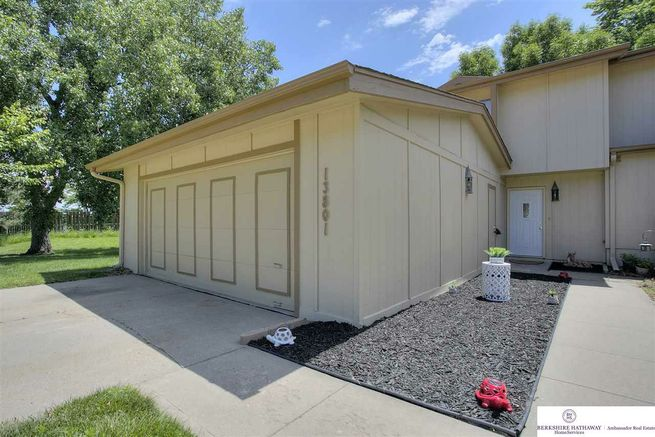 13801-Meadow-Ridge-Road-Omaha-NE-68138