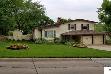 Photo of 2714 S 106 Street Omaha, NE 68124