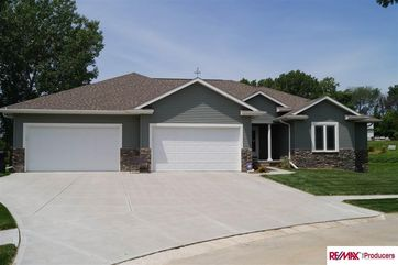Photo of 702 Patrick Circle Gretna, NE 68028