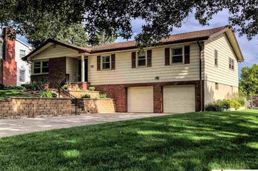 Photo of 12068 Jackson Street Omaha, NE 68154