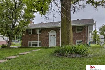 Photo of 9016 Tomahawk Boulevard Omaha, NE 68134