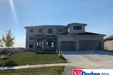 Photo of 12101 Longshore Avenue Papillion, NE 68046