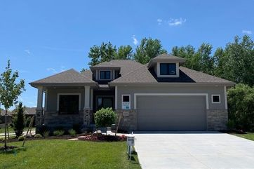 Photo of 10056 Emiline Street La Vista, NE 68128
