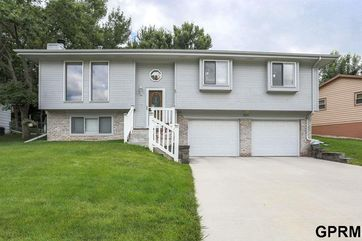 Photo of 8225 Walnut Lane Ralston, NE 68127