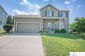 Photo of 1910 Ridgeview Drive Papillion, NE 68046