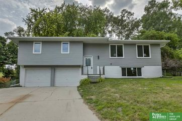 Photo of 301 Rexroad Place Bellevue, NE 68005