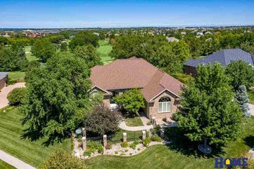 Photo of 9427 Hollow Tree Court Lincoln, NE 68512