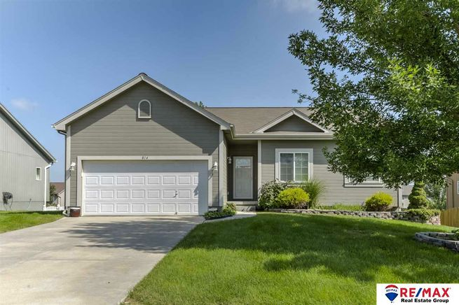 814-Lake-Tahoe-Drive-Papillion-NE-68046