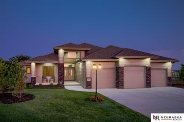 Photo of 18351 Lake Circle Elkhorn, NE 68022