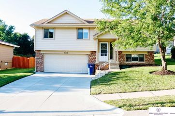 Photo of 11212 Z Street Omaha, NE 68137