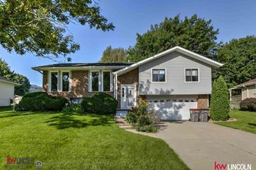 Photo of 6301 Briar Rosa Drive Lincoln, NE 68516