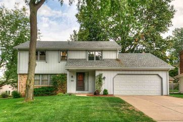 Photo of 14916 Brookside Circle Omaha, NE 68144 - Image 9