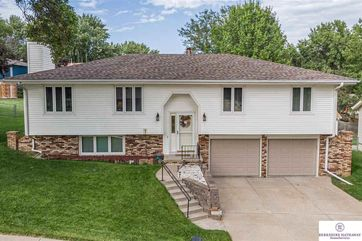 Photo of 2410 Hogantown Drive Bellevue, NE 68123