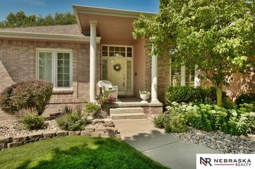 Photo of 7916 W Brentwood Drive La Vista, NE 68128