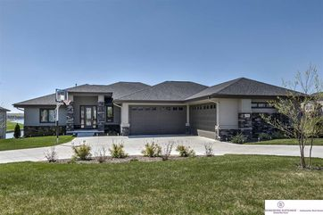 Photo of 17841 Island Circle Bennington, NE 68007
