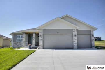 Photo of 650 N 11th Circle Springfield, NE 68059