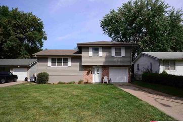 Photo of 12224 N Street Omaha, NE 68137