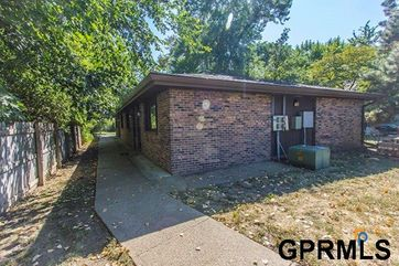 Photo of 5137 Walker Avenue Lincoln, NE 68504