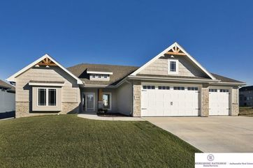 Photo of 12410 Pheasant Run Lane Papillion, NE 68046