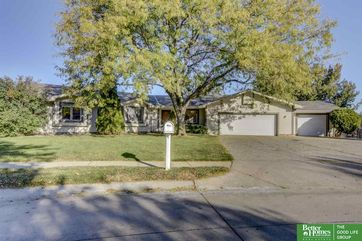 Photo of 16556 Cedar Circle Omaha, NE 68130