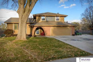 Photo of 11426 Grand Circle Omaha, NE 68164