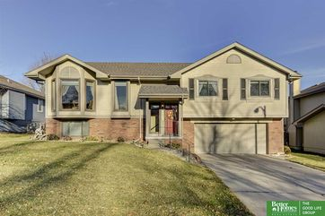 Photo of 15724 Louis Drive Omaha, NE 68118