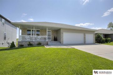 Photo of 10207 Rosewater Parkway Bennington, NE 68007