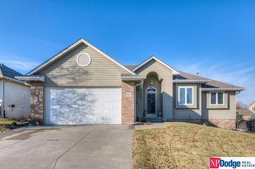 Photo of 11904 S 51 Street Papillion, NE 68133