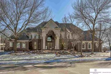 Photo of 17067 Pasadena Court Omaha, NE 68130