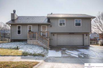 Photo of 15373 U Street Omaha, NE 68137