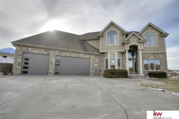Photo of 17825 Island Circle Bennington, NE 68007