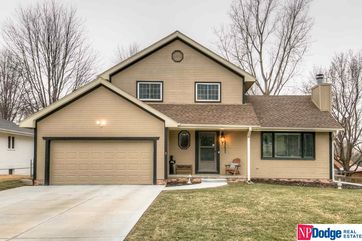 Photo of 15423 V Street Omaha, NE 68137