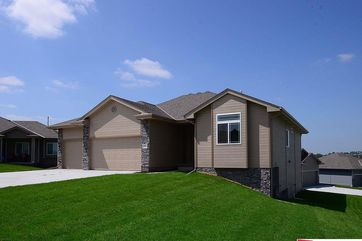 Photo of 12933 Eagle Circle Omaha, NE 68142-5189